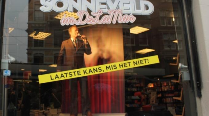 Sonneveld klinkt over de Amsterdamse grachten – FotoReportage