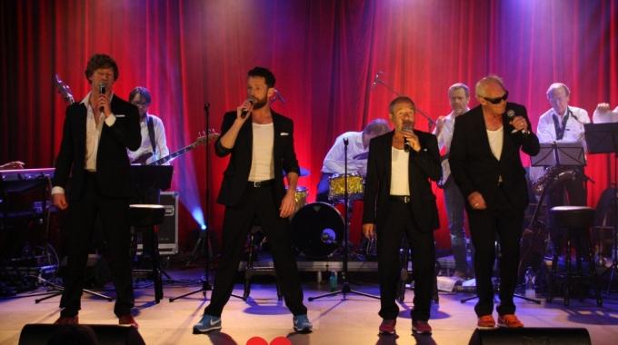 Parade-hit Revival uitgebreid met bigband