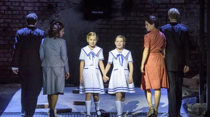 'De Tweeling': Een ontroerend mooie voorstelling