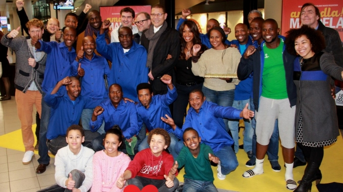 Warm welkom voor Zuid-Afrikaanse castleden van Amandla! Mandela