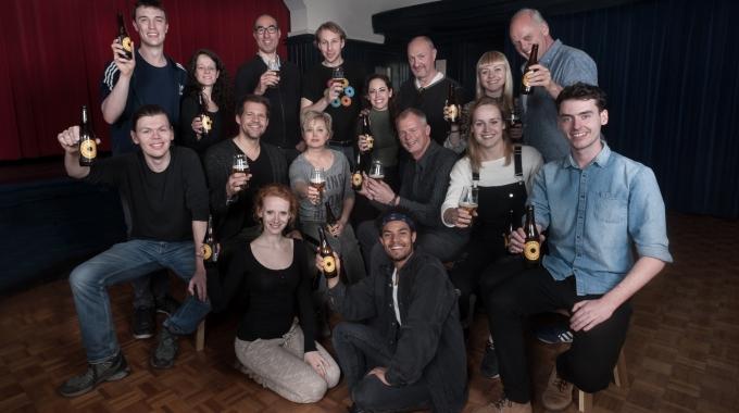 Cast Sweeney Todd kiest zomers huisbier