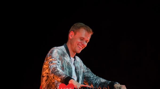 Armin 'trapt' zijn wereldtour af in Ziggo Dome.