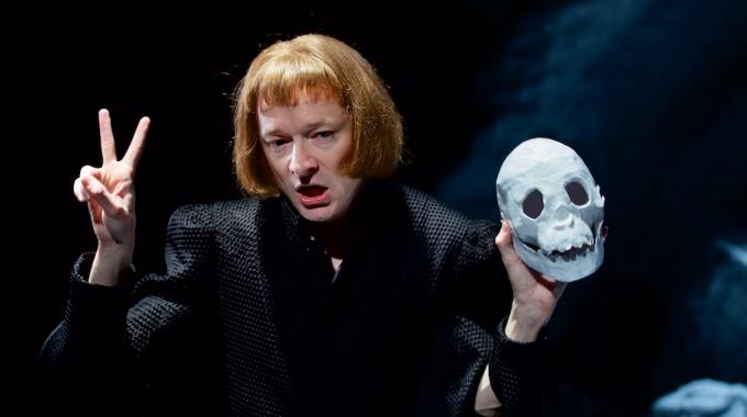 Wij mogen 3×2 kaarten weggeven voor  De Goede Richard III van de cabaretier Wart Kamps