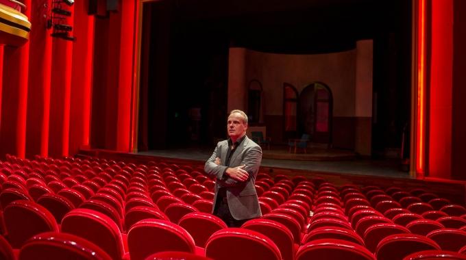 Directeur Edwin van Balken kondigtvertrek aan bij DeLaMar Theater