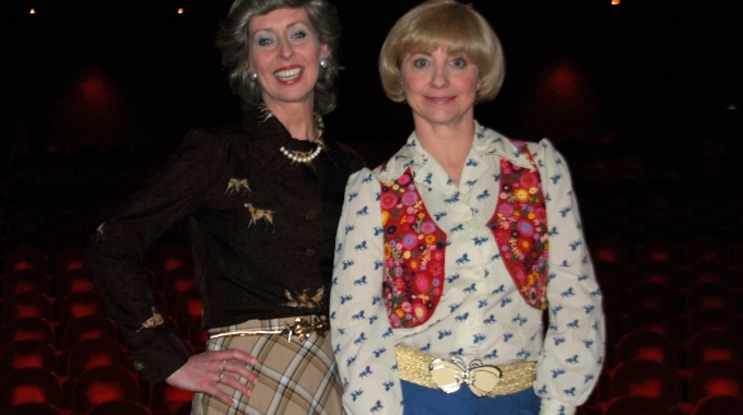 DeLaMar Theater legt de rode loper uit voor toneelkomedie Slippers