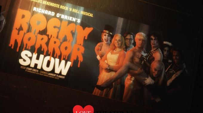 De Rocky Horror Show: een geweldige totaalbeleving van een zotte, wilde, wervelende opeenvolging van zang, dans, muziek, licht,…