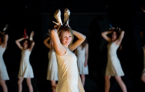 Jeugdtheater Hofplein maakt opnieuw spraakmakende voorstelling: LILITH