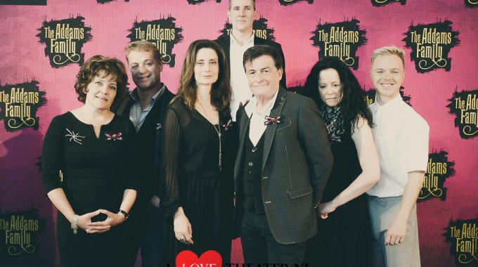 Maak kennis met de excentrieke, macabare Addams Family