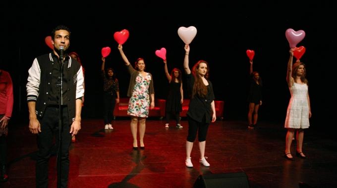 Theatergroep Mangrove maakt nieuwe plannen bekend en zoekt spelers.