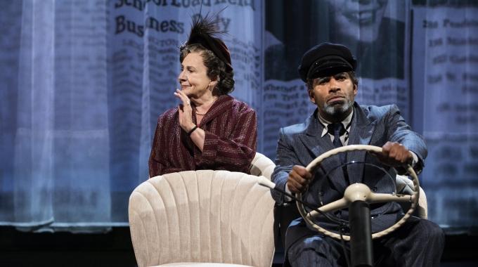 Anne Wil Blankers terug op de planken in het toneelstuk Driving Miss Daisy
