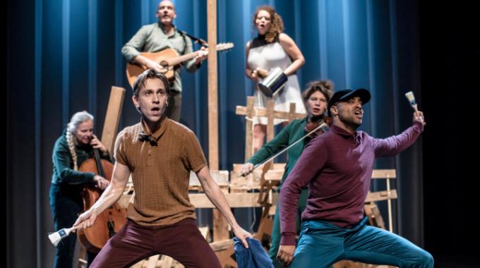 MaxTak presenteert nieuwe muziektheatervoorstelling Bruno wordt  een superheld (6+) naar de gelijknamige bestseller.