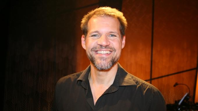 René van Kooten als muzikale dinerbezorger