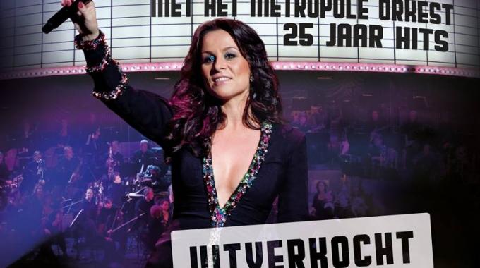 Trijntje Oosterhuis verkoopt Ziggo Dome uit, komt met nieuwe muziek en kondigt clubtour aan