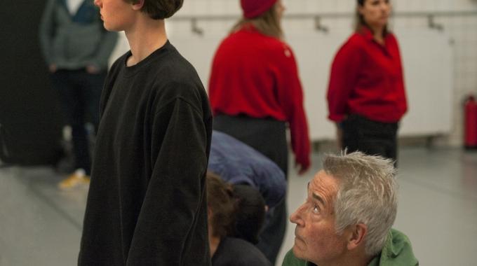 5 november Nederlandse première DYING TOGETHER / Earth van theatermaker Lotte van den Berg