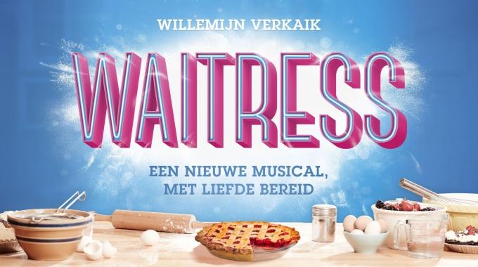 Linda Wagenmakers en Lisse Knaapen naast Willemijn Verkaik in musical Waitress