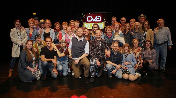 Presentatie van Big Fich van Musicalvereniging OVA – Fotoreportage
