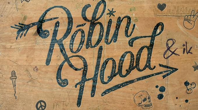 In 'Robin Hood & Ik' maakt 'Thuis'-actrice Lynn Van den Broeck haar musicaldebuut naast Aaron De Veene, Laurenz Hoorelbeke en Jasmine Jaspers.