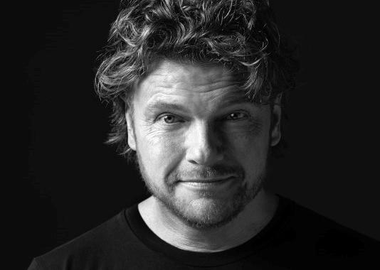 Nieuwe opname 'Verwarrend Bestaan' voor solovoorstelling Bastiaan Ragas