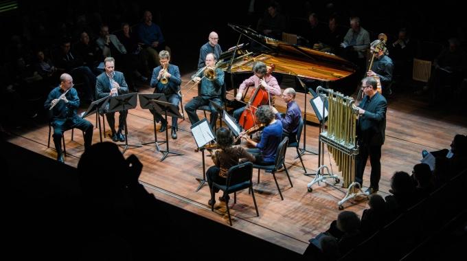 De Link presenteert eerste internationale productie met wereldpremières door Ives Ensemble