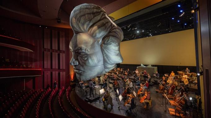 Hoofd van Beethoven op drift in Theater Heerlen!