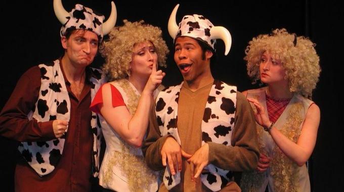 Boom Chicago's eerste Comedy Festival onthult wereldberoemde namen en lokale sterren