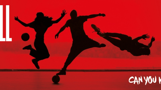 ODE AAN VOETBAL IN THEATERVOORSTELLING FTBLL – CAN YOU KICK IT