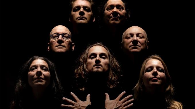 Muziekjournalist en drummer Jean-Paul Heck legt met Crazy Little Things de focus op de sound van Queen